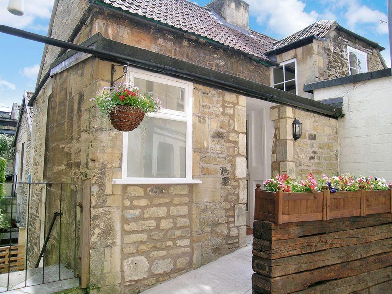 3 Bedrooms Maisonette Flat for sale in Bradford on Avon