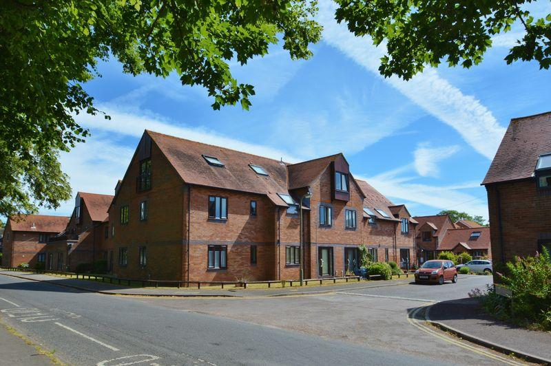 1 Bedroom Retirement Property for sale in Sharman Beer Court, Thame