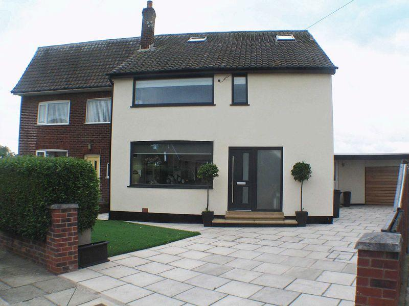 3 Bedrooms Semi Detached House for sale in The Crescent, Carleton