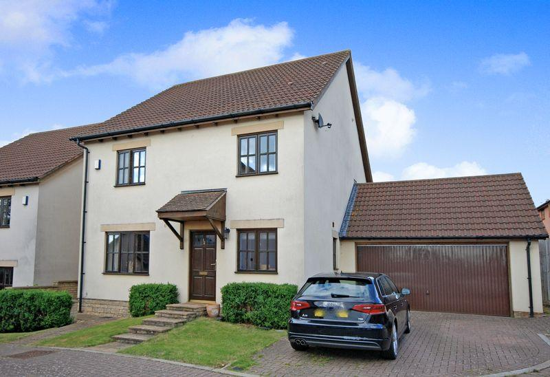 5 Bedrooms Detached House for sale in Cartwright Close, Wells