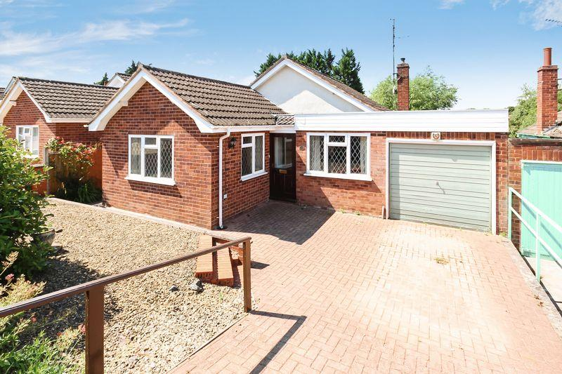 3 Bedrooms Bungalow for sale in TUPSLEY