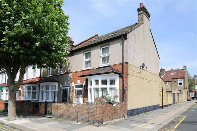 3 Bedrooms House for sale in Lincoln Road, Plaistow