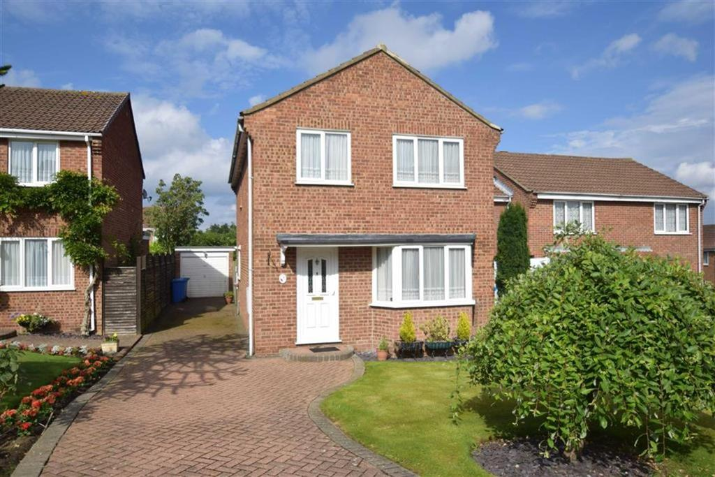 4 Bedrooms Detached House for sale in Lightfoots Close, Scarborough, North Yorkshire, YO12