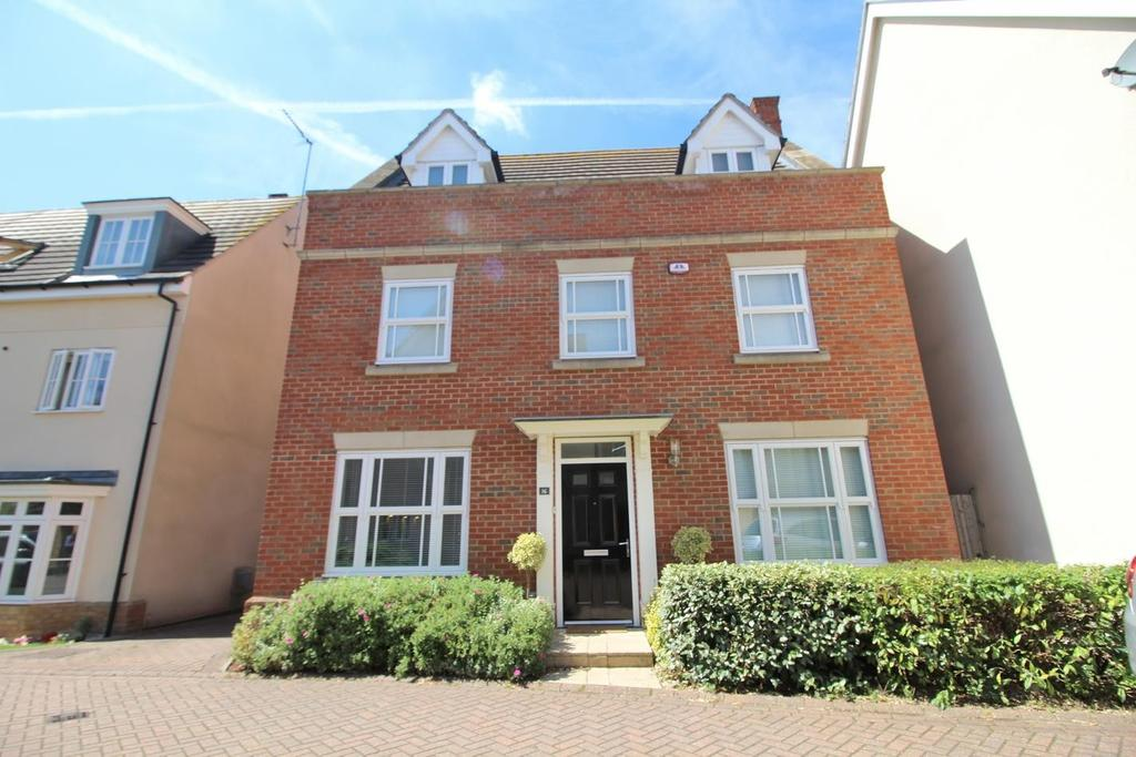 5 Bedrooms Detached House for sale in Taylor Way, Great Baddow, Chelmsford, Essex, CM2