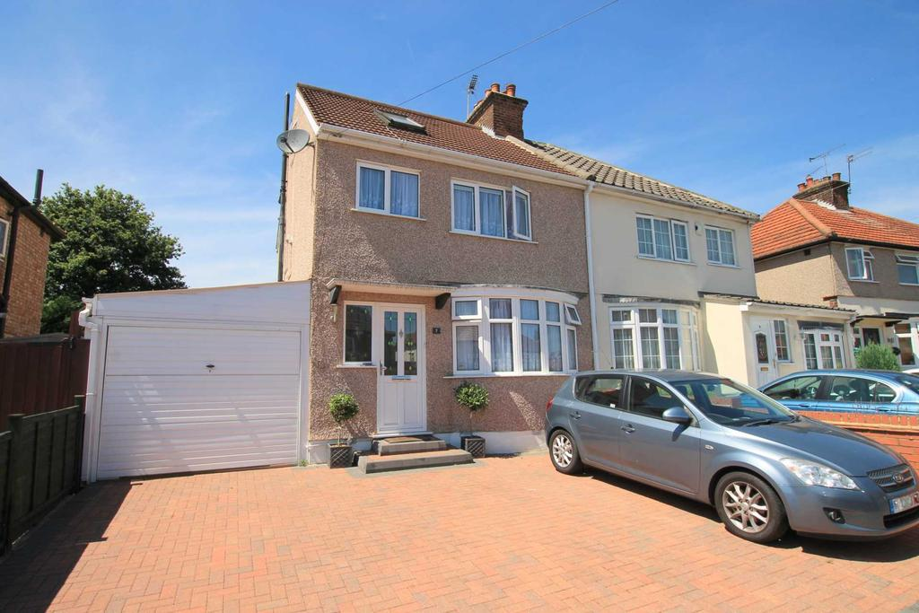 3 Bedrooms Semi Detached House for sale in Hazeltree Road, Watford