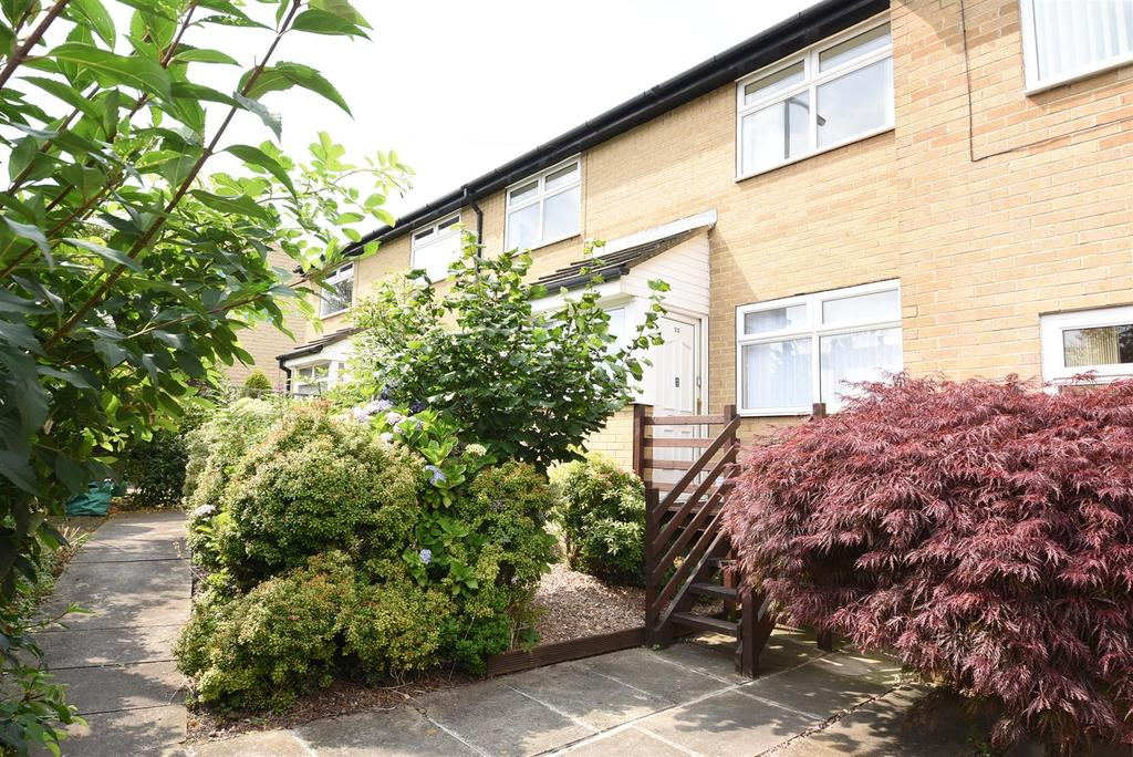 2 Bedrooms Town House for sale in Wakefield Road, Hipperholme, Halifax