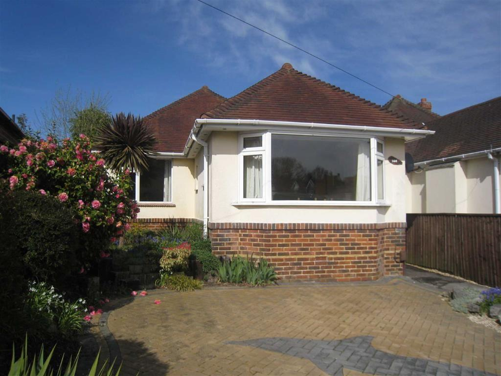 2 Bedrooms Bungalow for rent in The Grove, Moordown, Bournemouth, Dorset