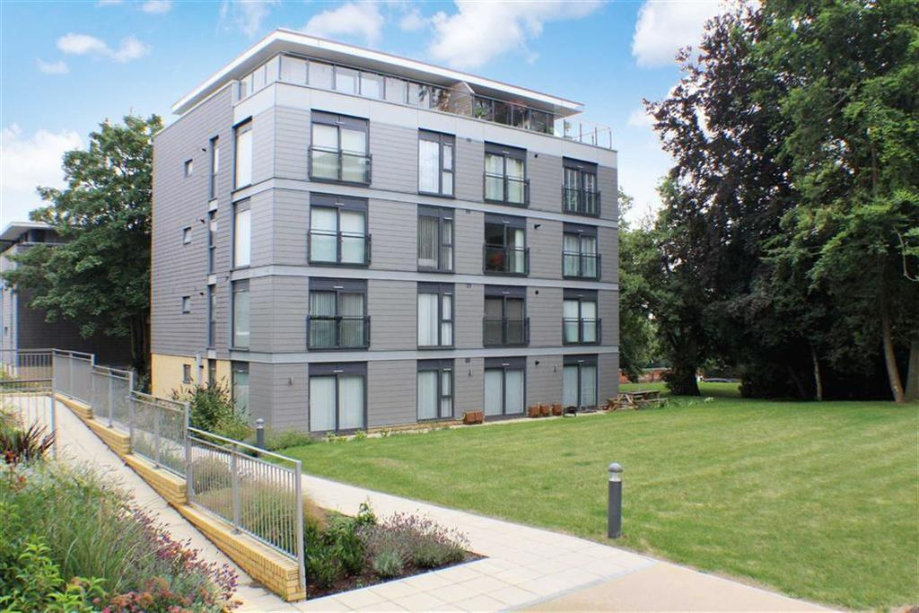 1 Bedroom Flat for sale in Darwin Court, St Albans, Hertfordshire