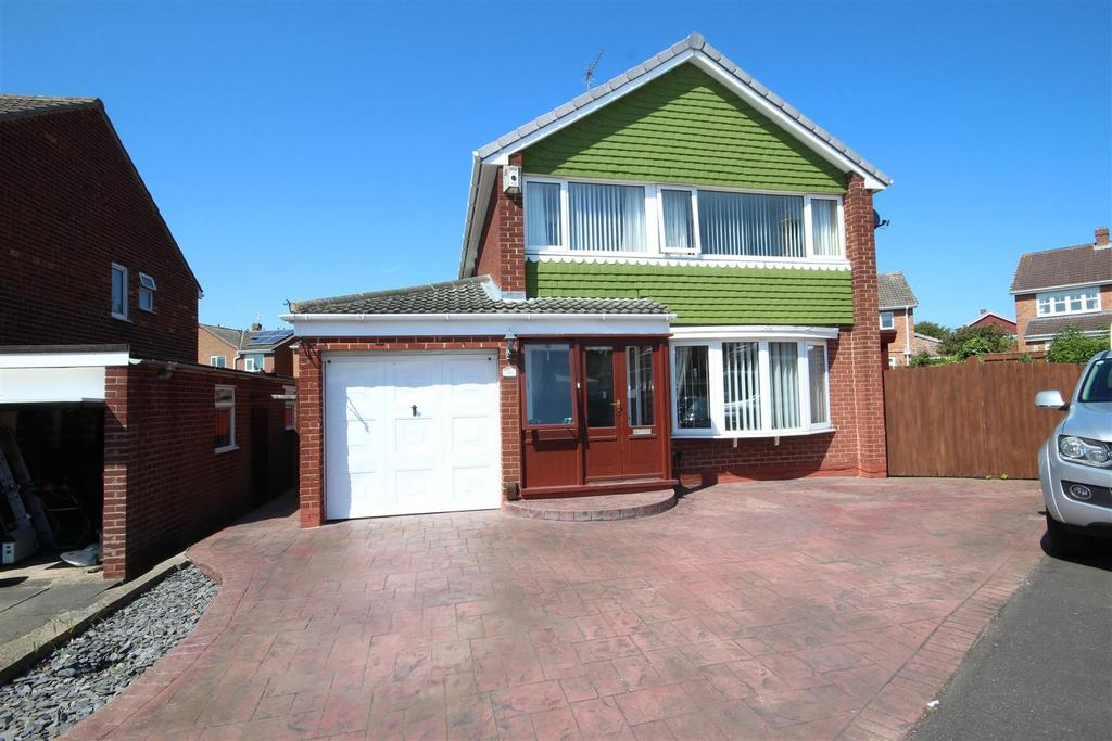 3 Bedrooms Detached House for sale in Ingham Grove, Fens, Hartlepool