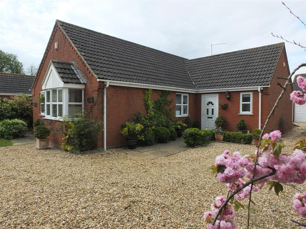 4 Bedrooms Detached Bungalow for sale in Garnsgate Road, Long Sutton