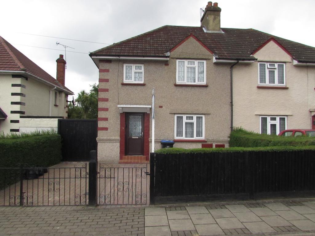 3 Bedrooms Semi Detached House for sale in The Close, Lyon Park Avenue, Wembley HA0