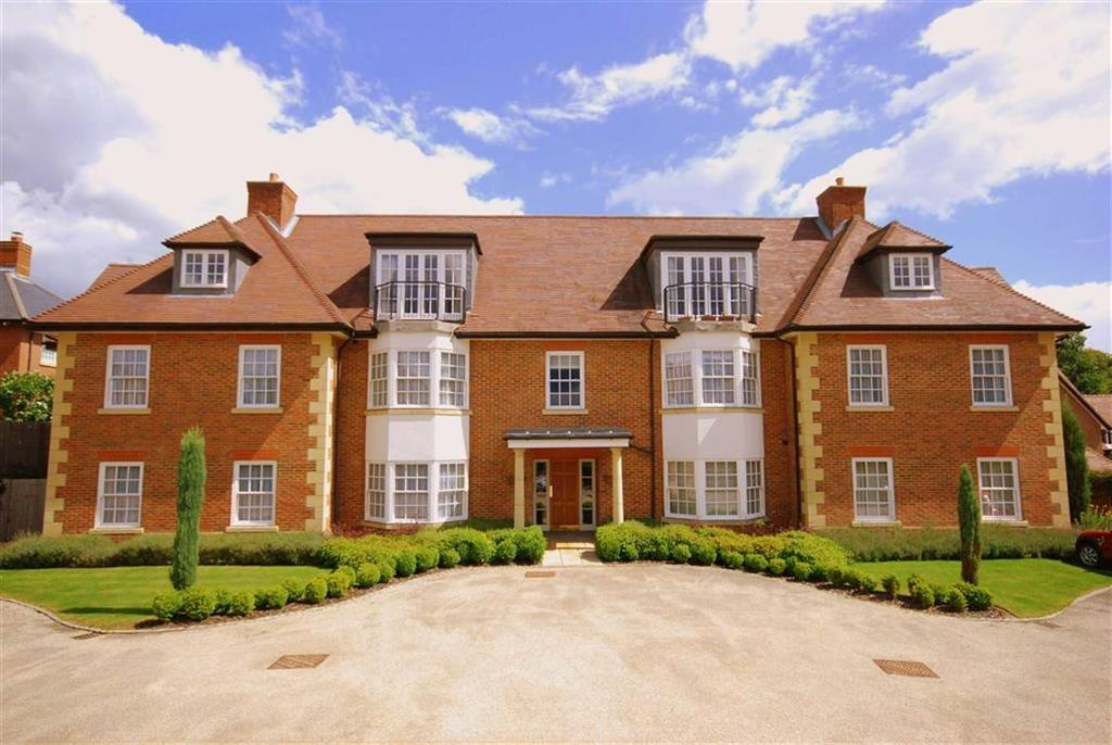 3 Bedrooms Flat for sale in St Mary's Platt, Kent