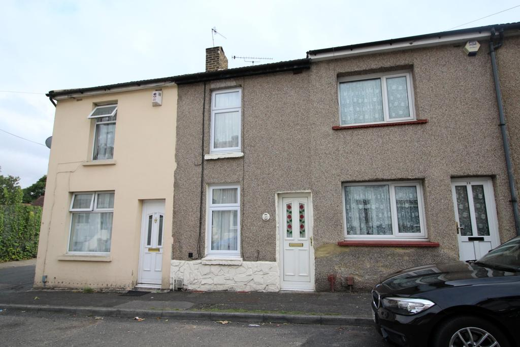 2 Bedrooms Terraced House for sale in Lower Range Road, Gravesend DA12