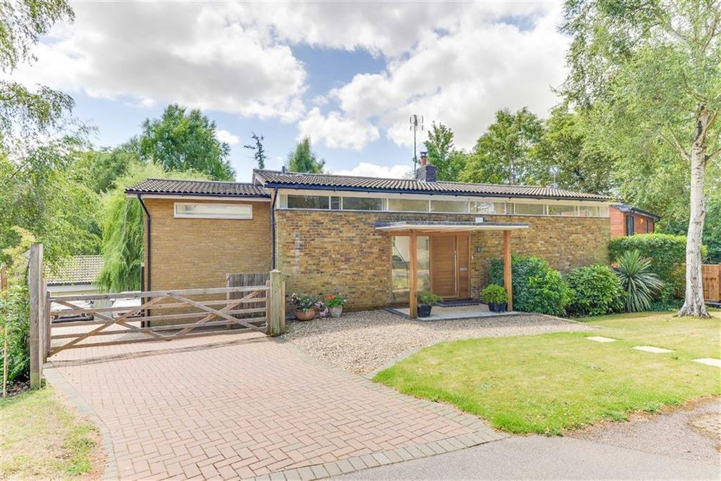 5 Bedrooms Detached House for sale in Dale Close, Hitchin, SG4