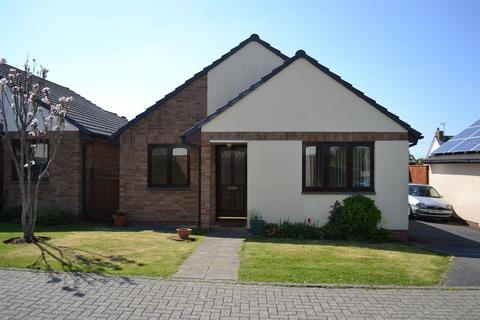 2 bedroom detached bungalow to rent - The Fairway