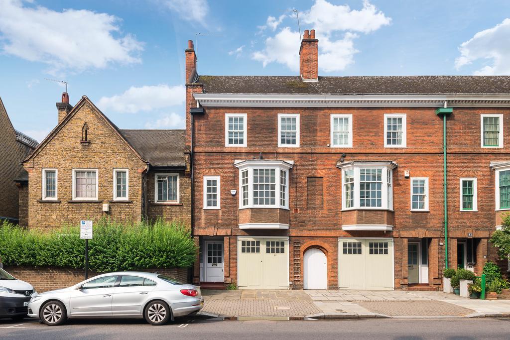 4 Bedrooms House for sale in Oakley Street, London. SW3