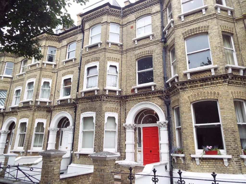 1 Bedroom Flat for sale in Cromwell Road Hove East Sussex BN3