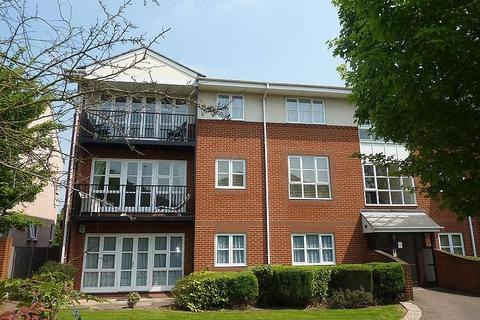 2 bedroom apartment to rent - St. Kathryns Place, Deyncourt Gardens, Upminster, Essex, RM14