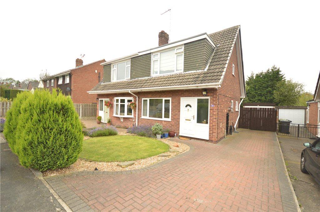 3 Bedrooms Semi Detached House for sale in Primley Park Grove, Leeds, West Yorkshire