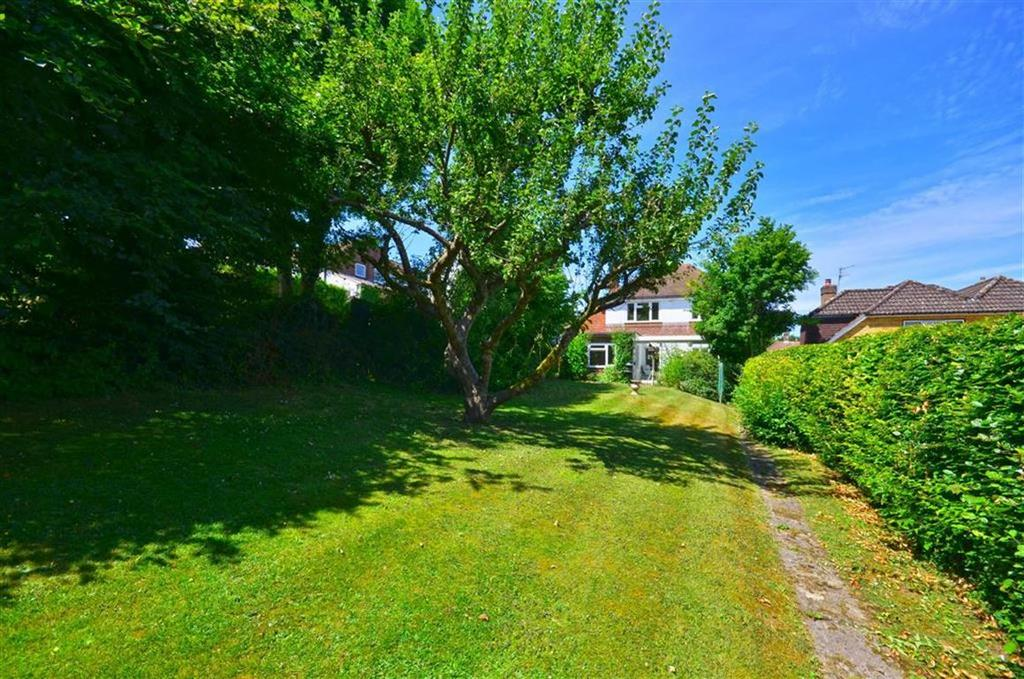 3 Bedrooms Detached House for sale in Brushwood Drive, Chorleywood, Hertfordshire