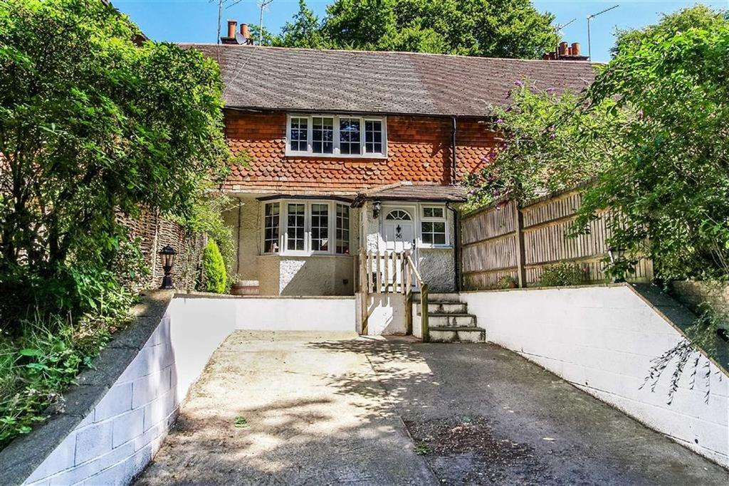 3 Bedrooms Cottage House for sale in Scotland Lane, Haslemere, Surrey, GU27