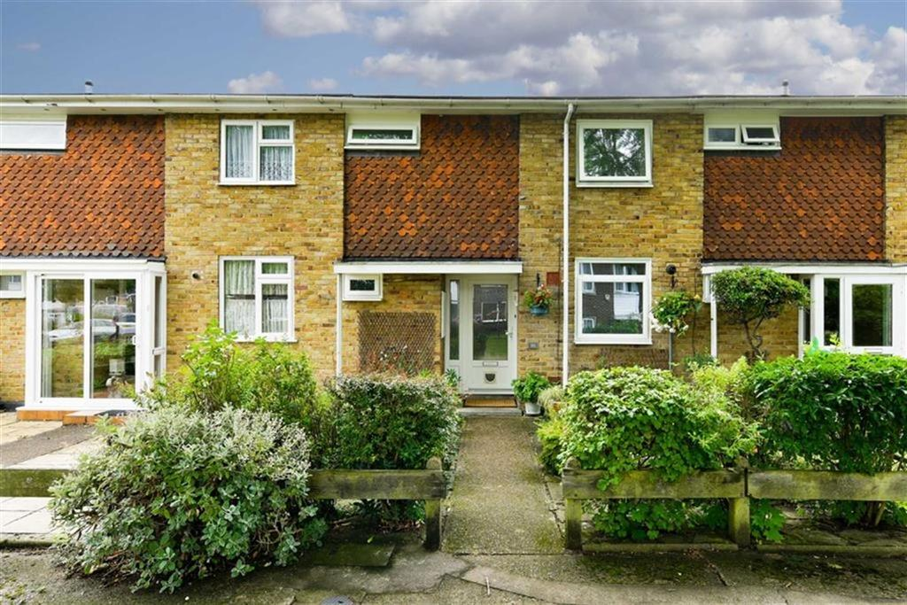 3 Bedrooms Terraced House for sale in Gatley Avenue, West Ewell, Surrey
