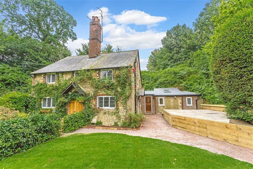 3 Bedrooms Semi Detached House for sale in The Walk, Tandridge, Surrey