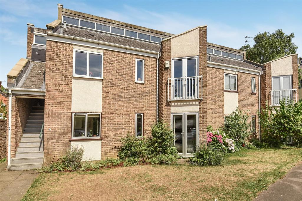 3 Bedrooms Apartment Flat for sale in Ridgemont Close, Oxford