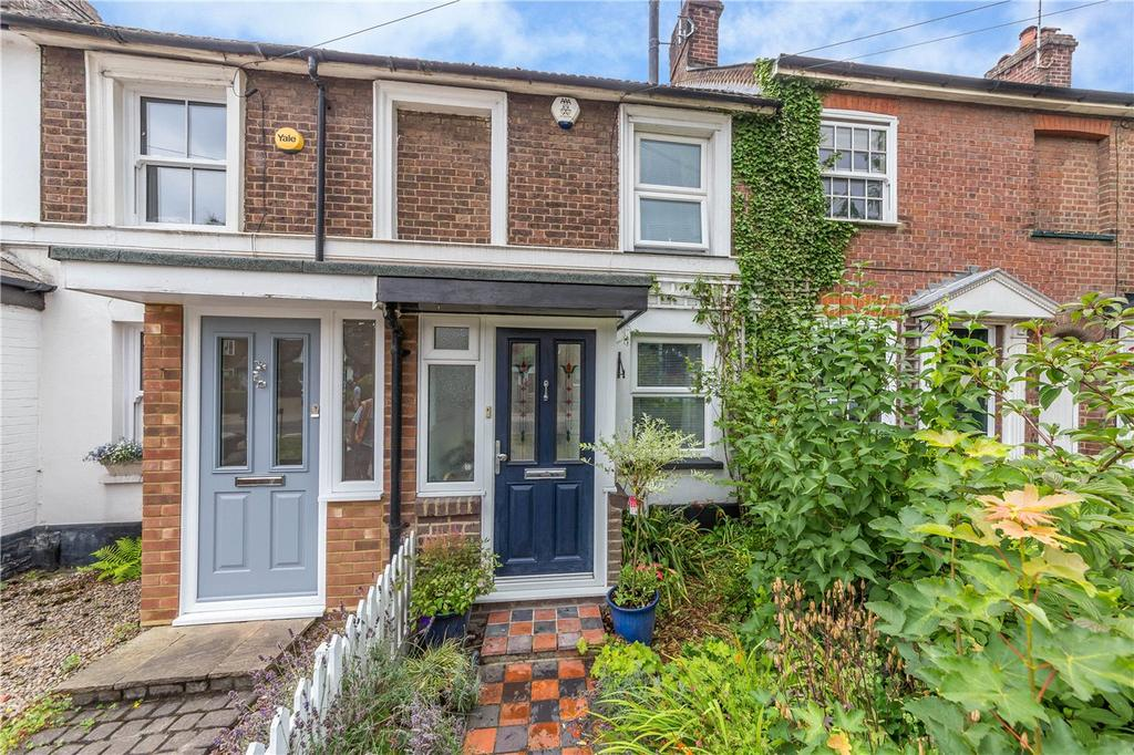 2 Bedrooms Terraced House for sale in Luton Road, Harpenden, Hertfordshire