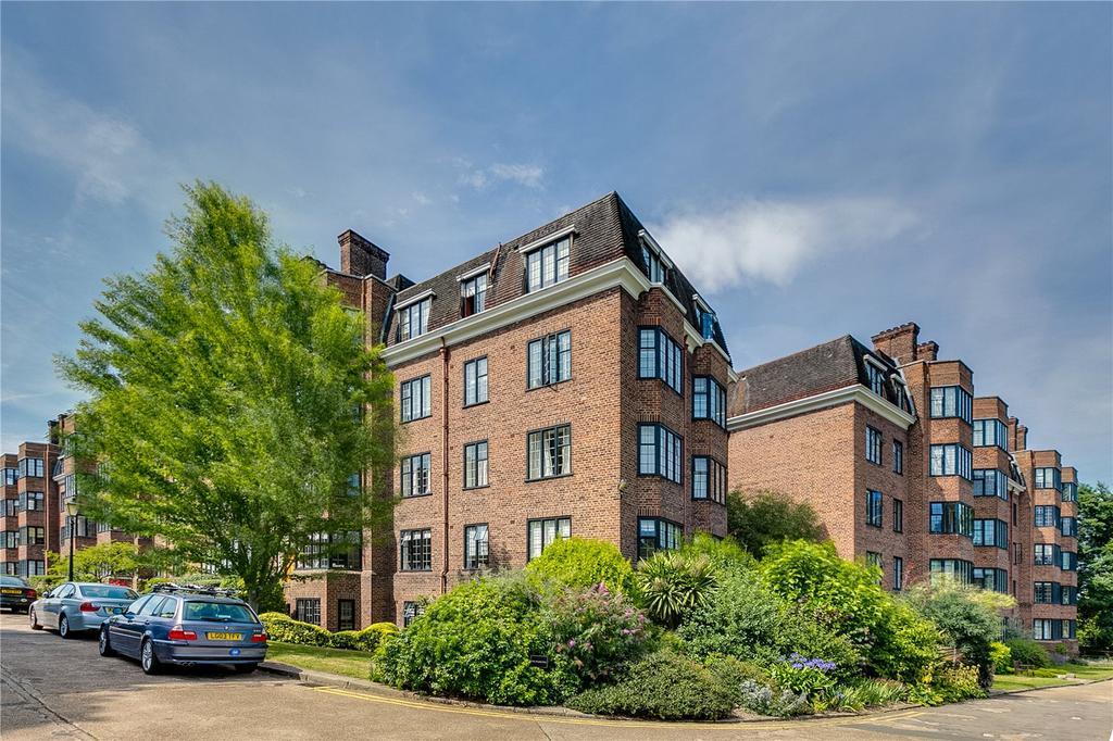 4 Bedrooms Flat for sale in Selwyn House, Manor Fields, Putney, London