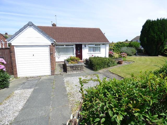 2 Bedrooms Detached Bungalow for sale in Severn Road, Culcheth, Warrington