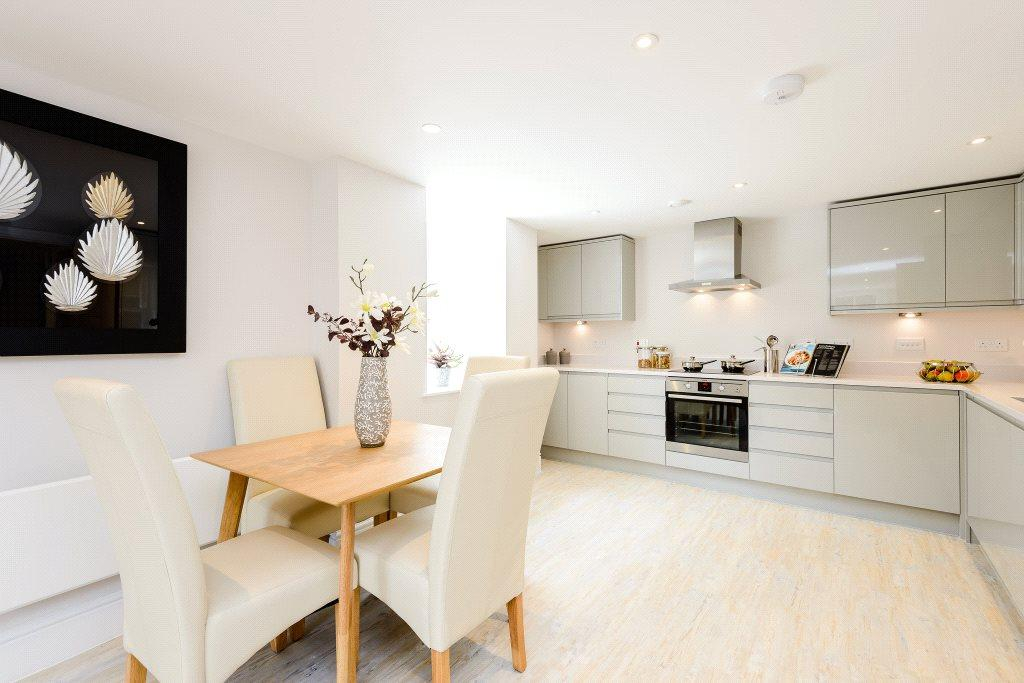 2 Bedrooms Apartment Flat for sale in Tower Street, Winchester, Hampshire, SO23