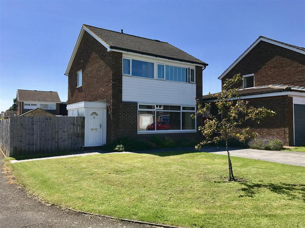3 Bedrooms Detached House for sale in Grisedale Crescent, Egglescliffe