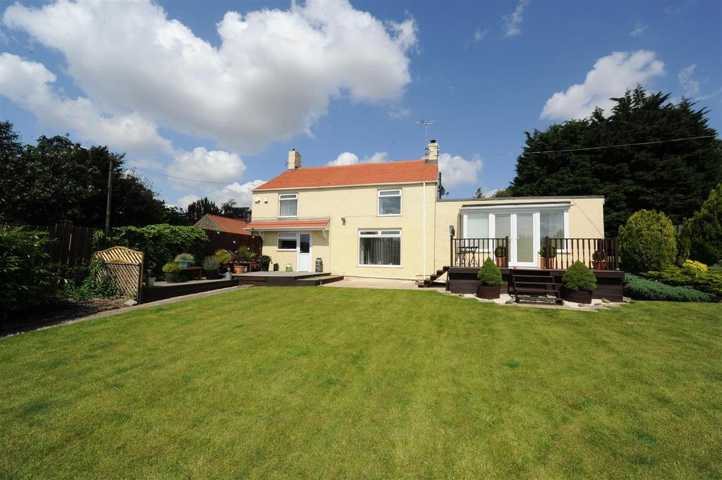 4 Bedrooms Detached House for sale in Gilling West, Richmond