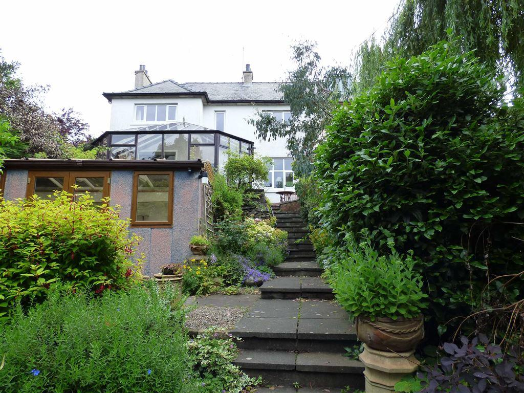 3 Bedrooms Semi Detached House for sale in Lade Braes, St Andrews, Fife