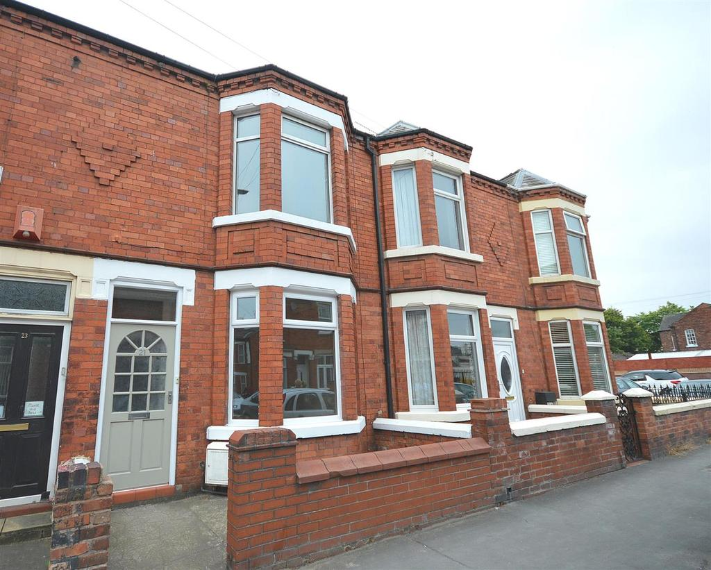 3 Bedrooms Terraced House for sale in Underwood Lane, Crewe
