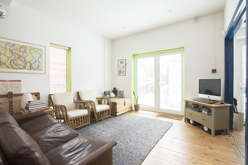 3 Bedrooms Mews House for sale in Brooksby's Walk, London E9