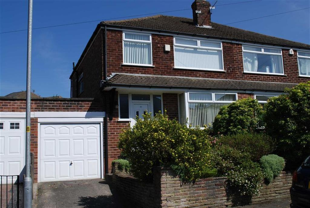 3 Bedrooms Semi Detached House for sale in Penrhyn Avenue, Alkrington, Manchester