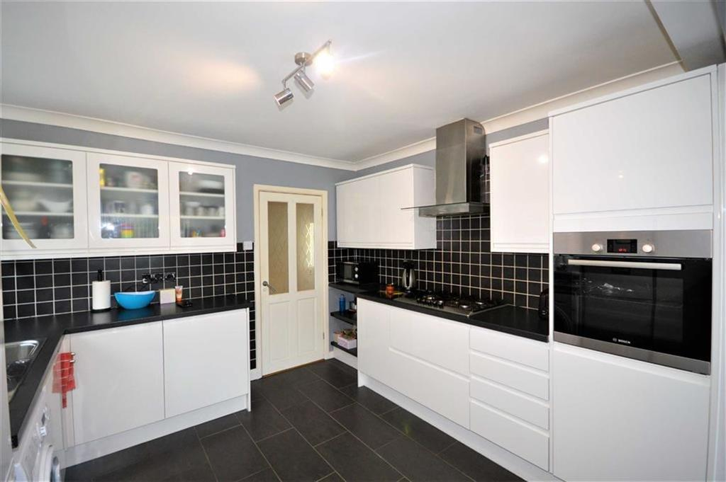 4 Bedrooms Semi Detached House for sale in South Kinson Drive, Bournemouth, Dorset, BH11