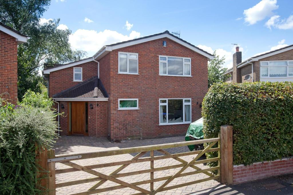 5 Bedrooms Detached House for sale in St. Georges Road, Salisbury