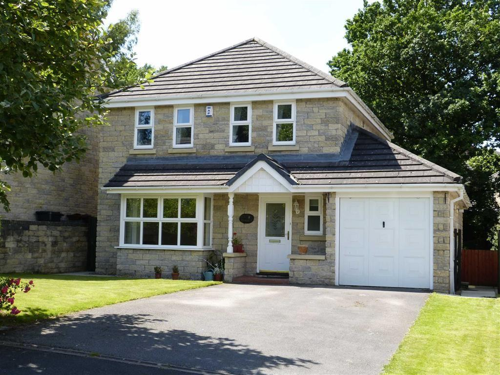 4 Bedrooms Detached House for sale in Moorside Close, Glossop