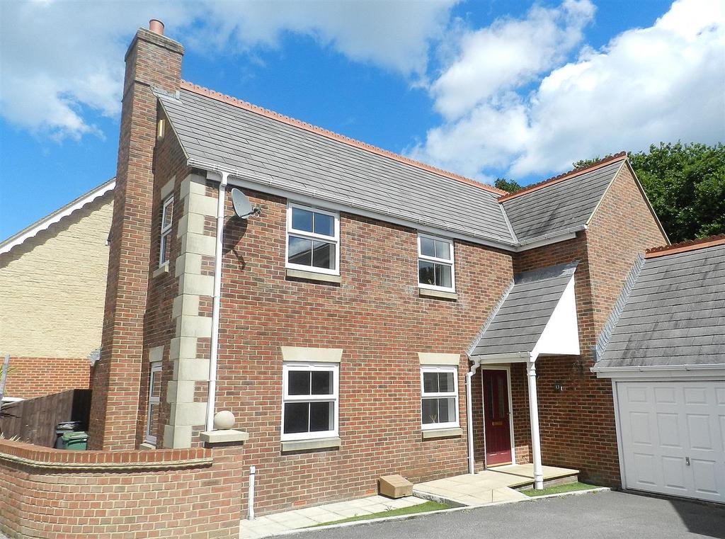 3 Bedrooms Link Detached House for sale in Hornbeam Square, Ryde