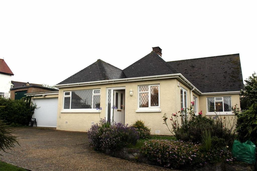 3 Bedrooms Detached Bungalow for sale in Aber Drive, Craigside, Llandudno, Conwy