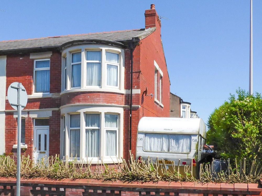 3 Bedrooms End Of Terrace House for sale in Sherbourne Road, Blackpool, Lancashire