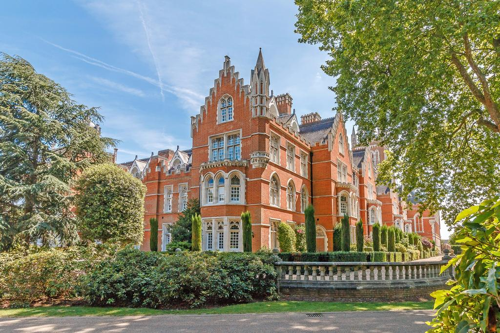 4 Bedrooms Town House for sale in Crossland House, Virginia Park, Virginia Water