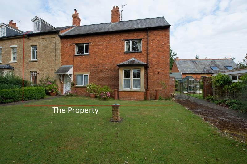3 Bedrooms Semi Detached House for sale in Longwood, The Green, Cosgrove, Milton Keynes, Northamptonshire