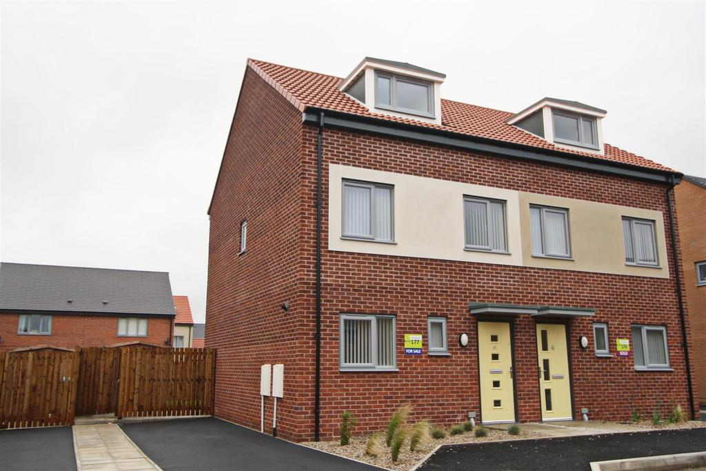 3 Bedrooms House for sale in Sundew Court, Darlington