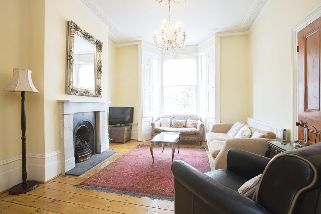 4 Bedrooms Terraced House for sale in Blurton Road, London E5