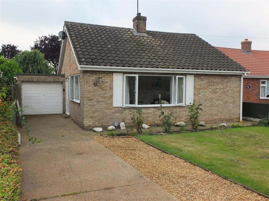 3 Bedrooms Detached Bungalow for sale in Arles Avenue, Wisbech