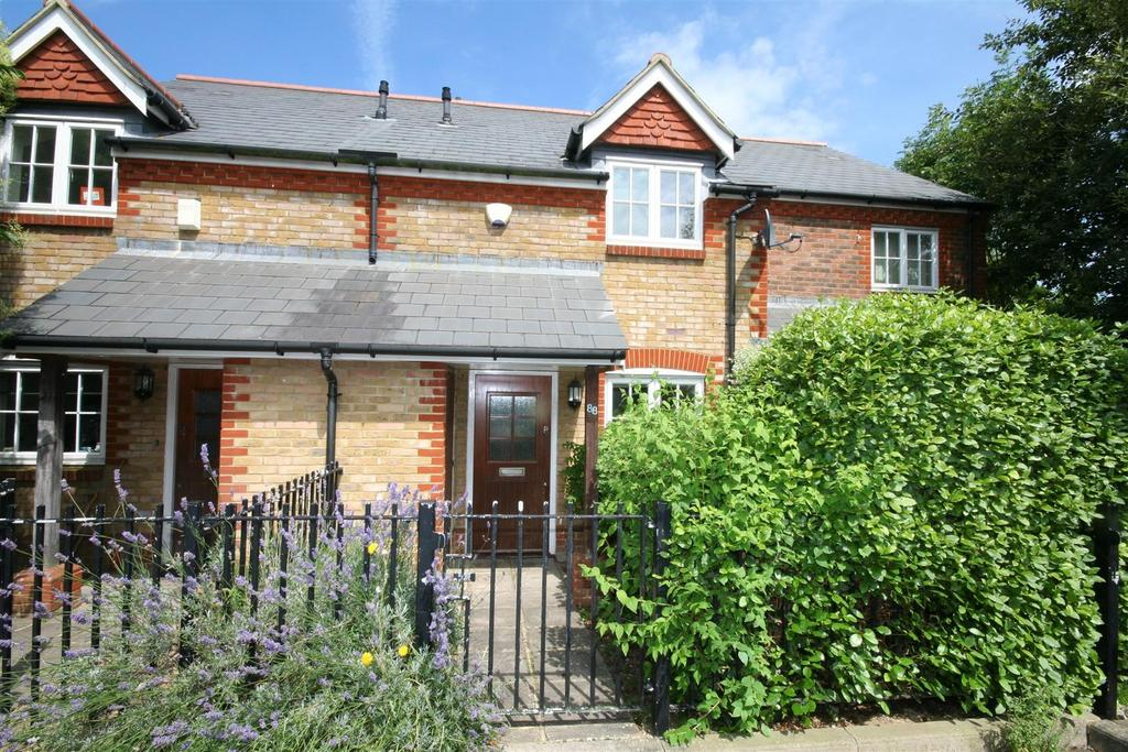 2 Bedrooms Terraced House for sale in Fawn Rise, Henfield